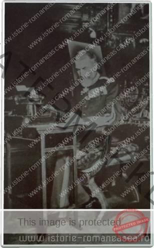 Carte postala ilustrata - Regele Carol I la masa de lucru - 1913