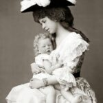 Prințesa Maria și fiul său, Carol