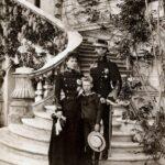 Prințesa Maria împreună cu Prințul moștenitor Ferdinand și regele Carol I, în 1902