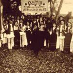 Consăteni de-ai lui Samoilă Mârza care mergeau la Alba Iulia, în 1918