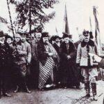 Episcopul Iuliu Hossu citește rezoluția de la Alba Iulia